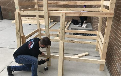 Central Hardin students build bunk beds for children in need