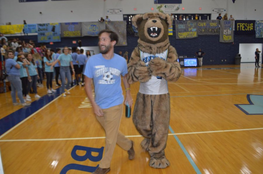 Mr. Mudd and the Bruin mascot at the homecoming pep rally.