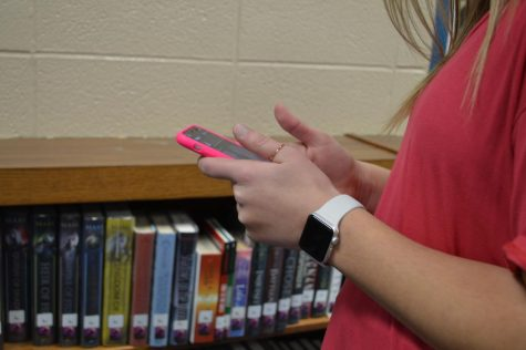 How Social Media Affects High School Students